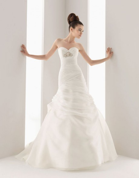 SWEETHEART A-LINE TULLE BRIDAL GOWN WITH ZIPPER